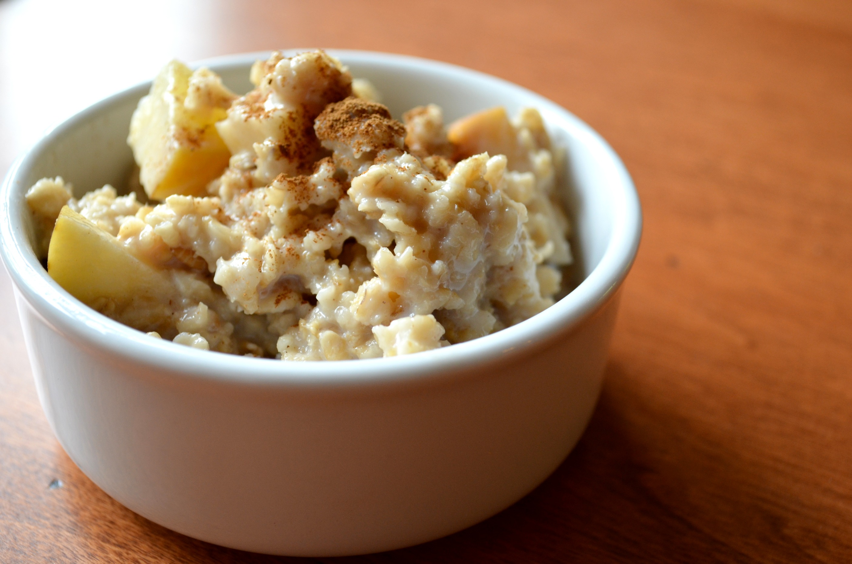 Crock Pot Apple Cinnamon Oatmeal - Domestic Superhero