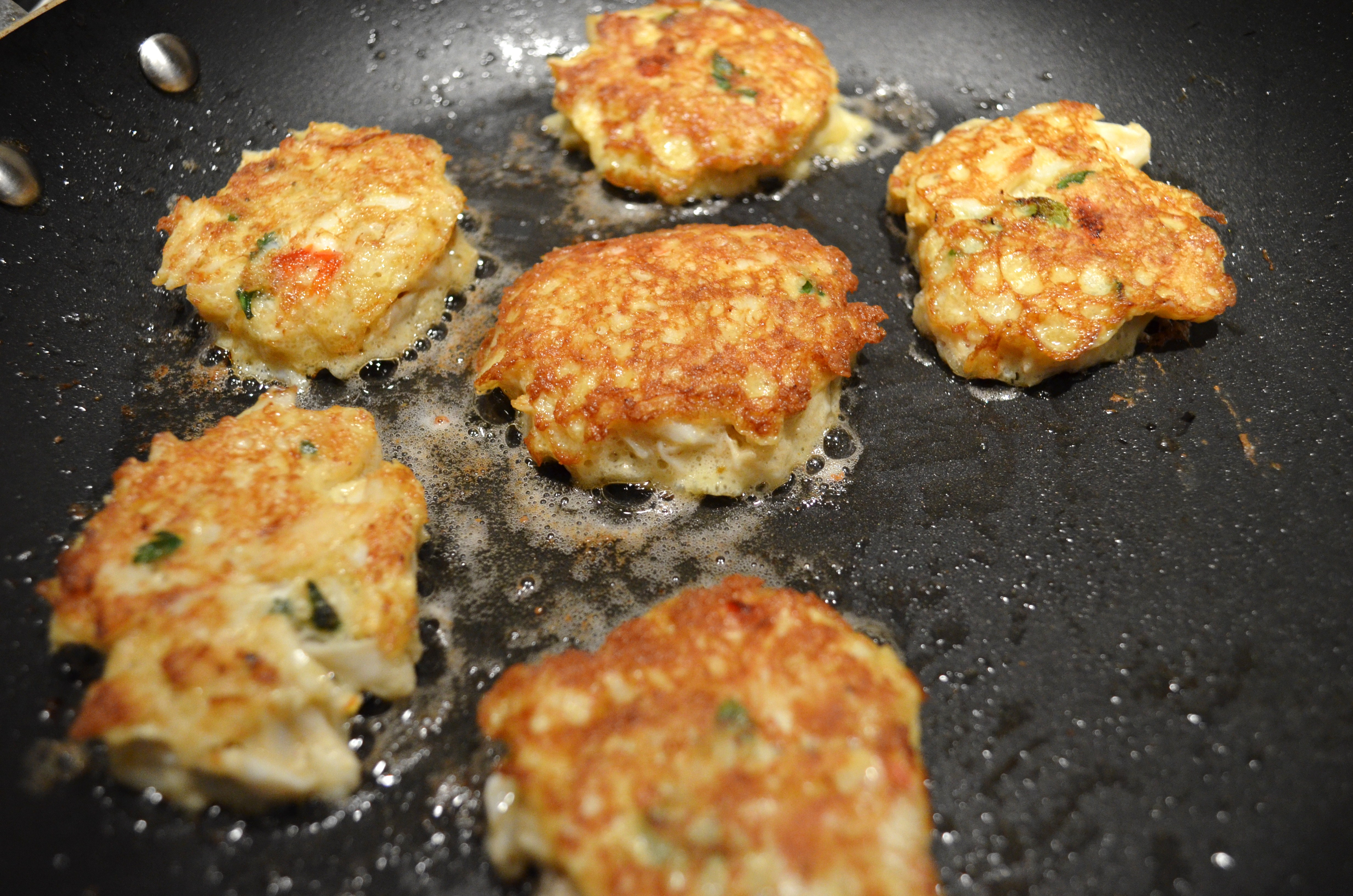What Does Well With Crab Cakes