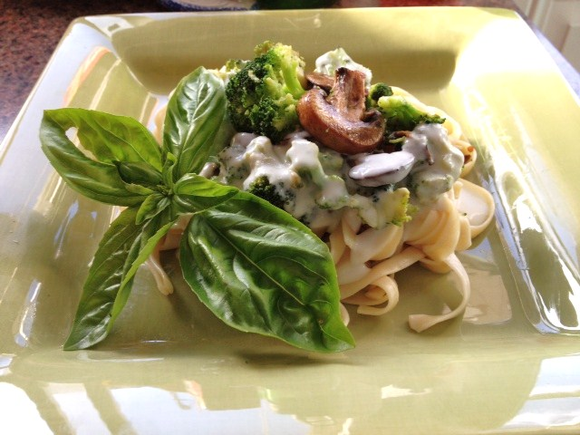 "Guiltless"" Fettuccine Alfredo with Sautéed Mushrooms & Broccoli ..."