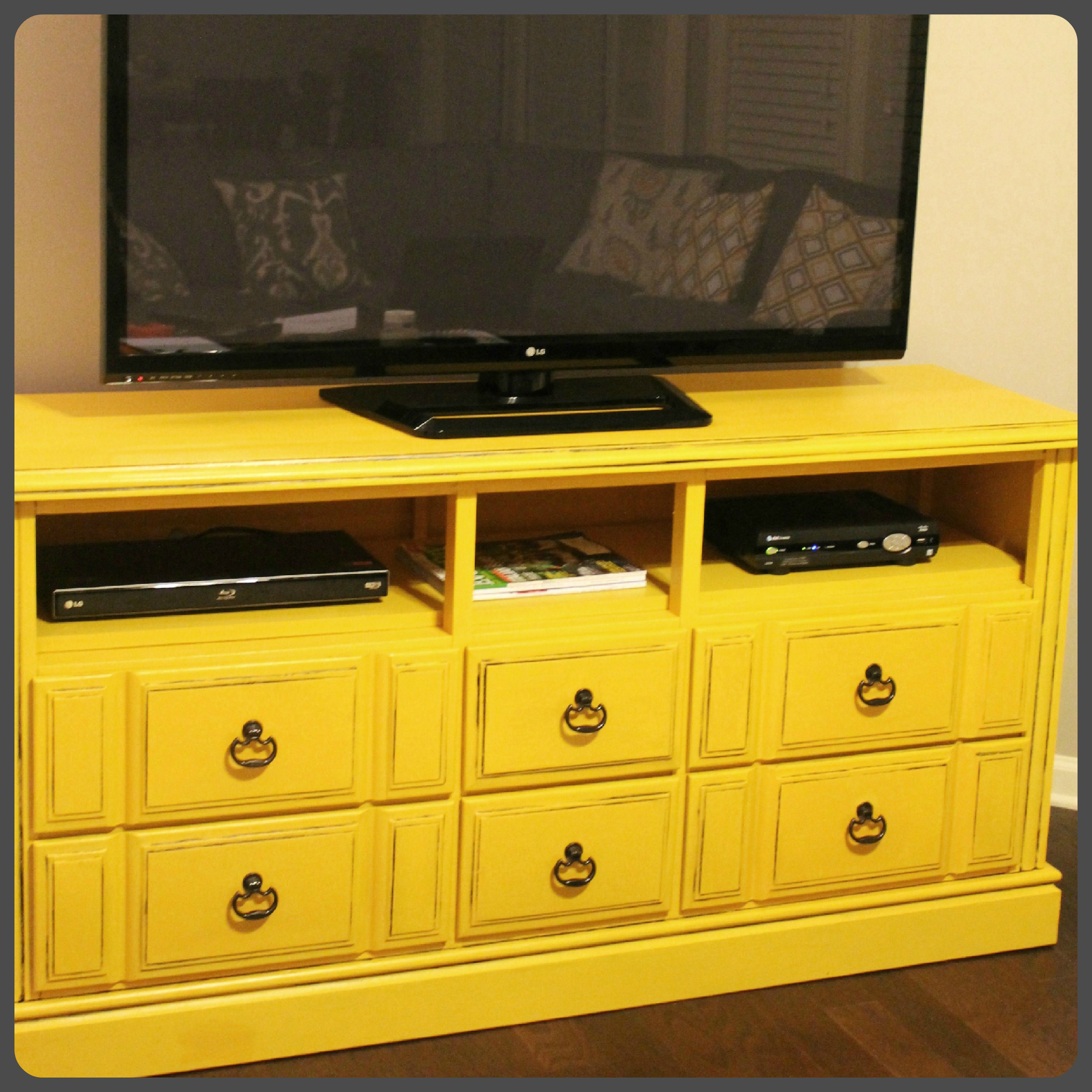 diy dresser turned tv console with tutorial domestic superhero. Black Bedroom Furniture Sets. Home Design Ideas